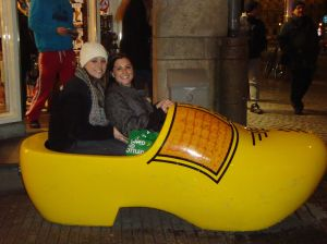 Lardieri sisters do Amsterdam!